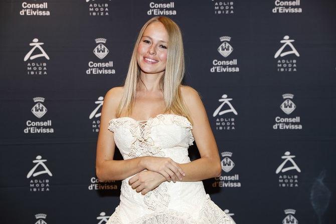 A este evento han acudido autoridades y personalidades como la actriz Esmeralda Moya, la ex Miss España Vania Millán, la modelo y actriz Mónica Pont, además de 'influencers' y periodistas de ámbito nacional e internacional.