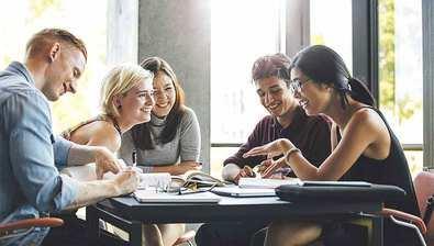 Innovación, trabajo en equipo e idiomas