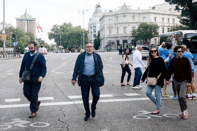 Pepu Hernández defendió la peatonalización durante los fines de semana de una calle por distrito.