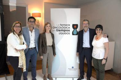 De izquierda a derecha, los coordinadores y ponentes del encuentro Ana Clopes, José Luís Poveda, Irene Mangues, Gerardo Cajaraville y Estela Moreno.