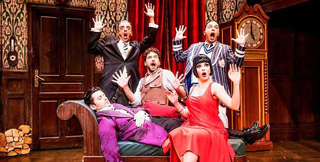 'La función que sale mal', comedia para los 'fanes' de Monty Python y Sherlock Holmes