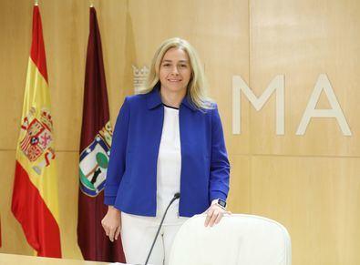 Inmaculada Sanz daba cuenta de los acuerdos de la Junta de Gobierno.