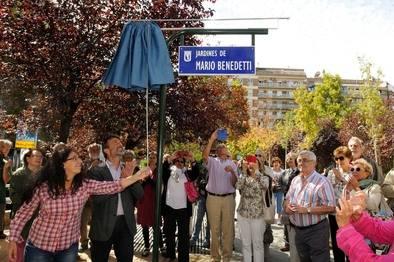 Inauguración de los Jardines de Mario Benedetti