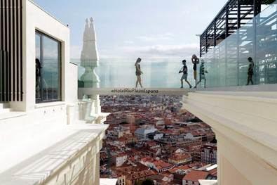 De Madrid al cielo por una pasarela de cristal