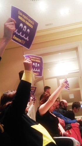 Vecinas apoyaron la huelga del 8M en el pleno