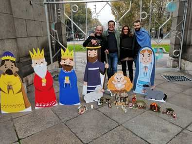 Desde el PP del distrito, su comité ejecutivo invita a los madrileños a contribuir con el Belén de la Puerta de Alcalá.