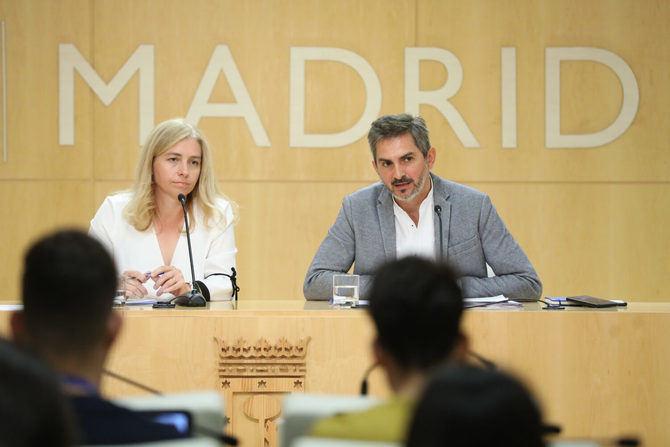 Inmaculada Sanz y Pepe Aniorte, durante la rueda de prensa de la Junta de Gobierno Municipal.