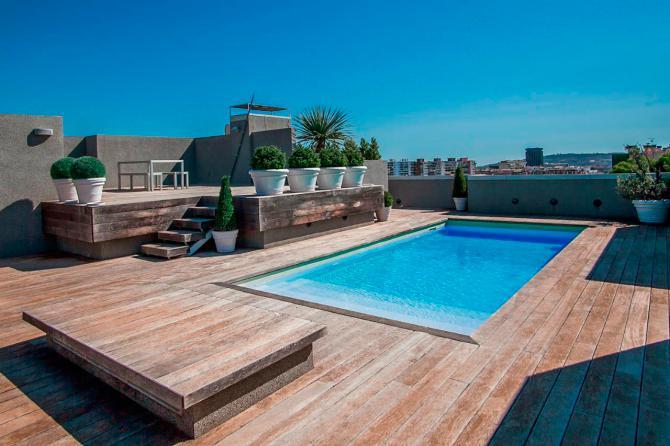Ático con piscina en el barrio de Pedralbes con vistas sobre Barcelona.