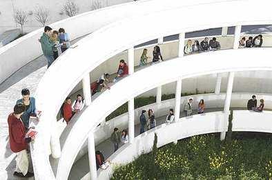 Las universidades imparten 235 másteres menos este curso