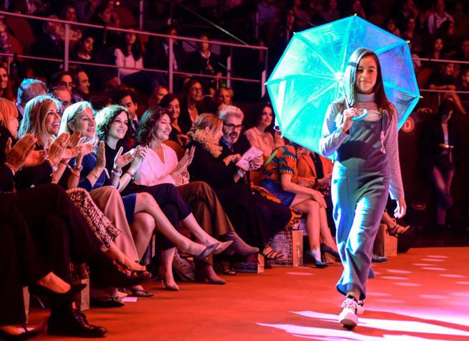 Desfile de moda infantil a beneficio de la investigación contra el cáncer