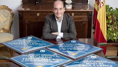 La AVT concede la Cruz de la Dignidad a Martínez Vidal