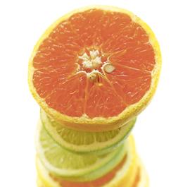 Si no hay nada en esta lista que le agrade a  tu paladar, pero estás empeñado en no perder los beneficios de la vitamina C esta primavera, entonces puedes encontrar la solución en la suplementación alimentaria. Tomar suplementos es una alternativa cómoda y eficaz.