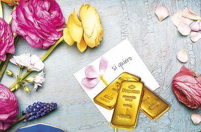 El oro físico de inversión como regalo de bodas