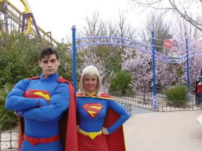 Primavera de súper héroes en el Parque Warner