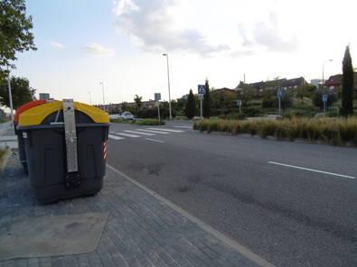 Los vecinos piden información sobre el cambio de cubos de basura