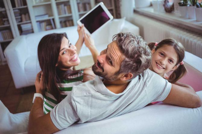 Una app permite a los padres conocer las notas del alumno y su asistencia a clase