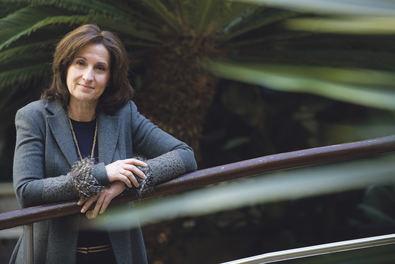 La escritora Paloma Sánchez Garnica acaba de publicar su nueva novela, 'La sospecha de Sofía', una historia en la que se mezcla la situación política internacional en España, Francia y Alemania oriental, el contraespionaje y las relaciones familiares.