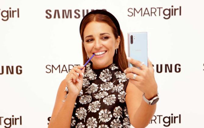 Paula Echevarría presenta los nuevos dispositivos de una SMARTgirl