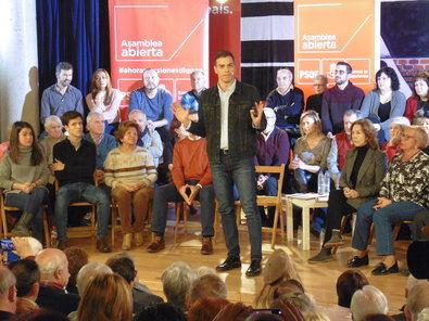 Pedro Sánchez llama a los mayores a movilizarse en Hortaleza