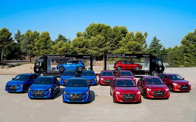 Un escaparate móvil de Peugeot recorre la región