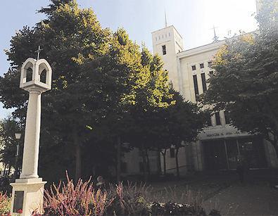 La parroquia de Nuestra Señora del Pilar, el 'hogar' de la patrona del distrito