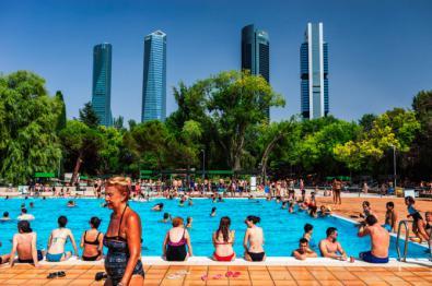 Comienza la temporada de piscinas, con cursos de natación y 'campus' de verano