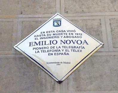 Placa de Emilio Novoa.