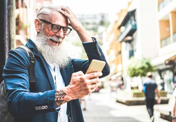 Cazar Pokémons, nueva receta para combatir el sedentarismo y el aislamiento en los ancianos