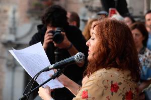 """Elvira Lindo asegura que amar la ciudad es """"hacer barrio a diario, en el centro y en la periferia"""""""