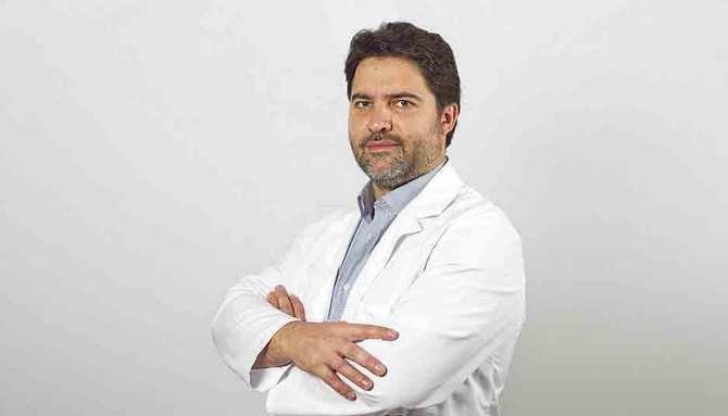 En la imagen, el Dr. Javier Cambronero, jefe de Servicio de Urología de Hospital Quirónsalud San José.