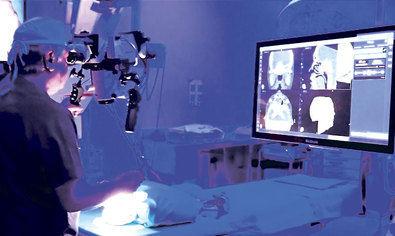 Los neuronavegadores de última generación permiten localizar lesiones cerebrales con una precisión de medio milímetro