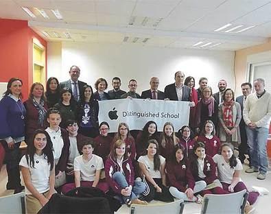 El Santo Domingo, 'Apple distinguished School'
