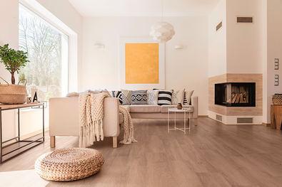 La amplia gama de tonos y texturas de los suelos vinílicos Adore Floors permite crear cálidos y acogedores espacios interiores.