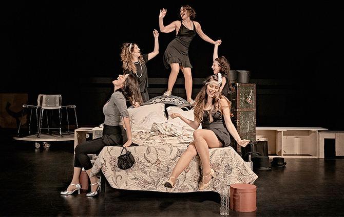 'Tres sombreros de copa': una obra clásica del teatro del siglo XX