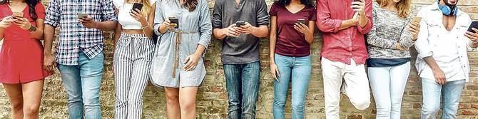 En torno al 21% de los estudiantes entre 14 y 18 años ya tiene un uso compulsivo de Internet y el 6,4% realiza apuestas y consume juegos de azar 'online'.