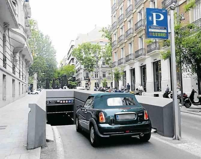 Para estacionar, subterráneo bajo serrano o plazas verdes.