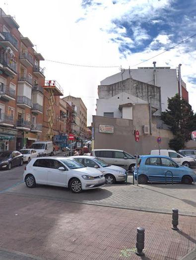 Usera, pionera en estrenar las zonas de aparcamiento vecinal