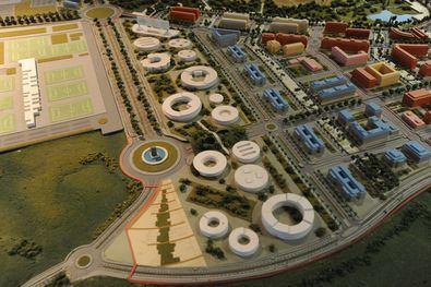 Maqueta de Valdebebas, con la parcela del Campus en primer término