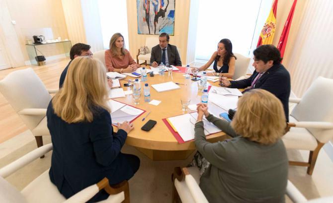 Comunidad y Ayuntamiento trabajarán conjuntamente para atajar el problema de la ocupación ilegal