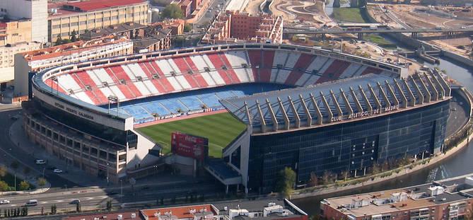 Imagen de archivo del estadio Vicente Calderón. Si la licencia llega a tiempo, su demolición podría ejecutarse este verano.