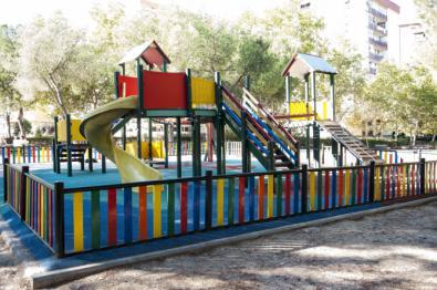 Firmas para quitar un columpio en el parque de Villa Rosa