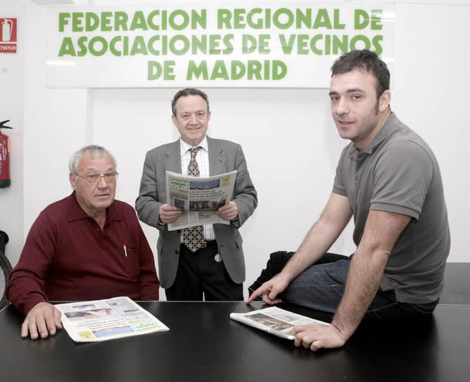 Paco Caño, en el centro, con Prisciliano Castro, su antecesor, y Nacho Murgui, su sucesor en la FRAVM.