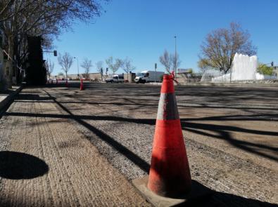 La carretera de Canillas, en plena operación asfalto