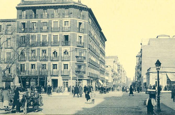 La calle del General Pardiñas atraviesa el barrio de Salamanca, desde Alcalá hasta María de Molina con Francisco Silvela. A lo largo de sus 11 manzanas, los coches han sustituido a los carros tirados por mulos. Archivos de la Comunidad de Madrid.