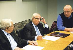 Asociaciones de vecinos piden al ministro de Fomento una reunión