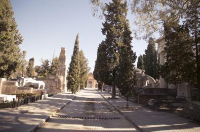 Una noche en el cementerio...