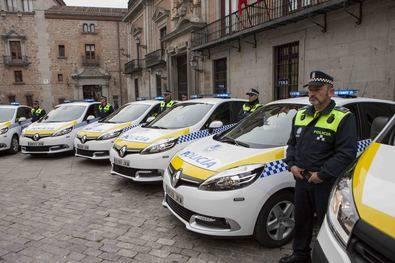 Presentación de los nuevos vehículos de Policía Municipal.