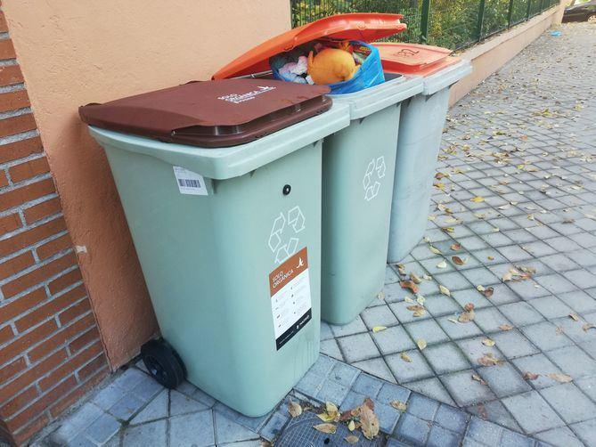 Cubos para la recogida orgánica selectiva en Hortaleza