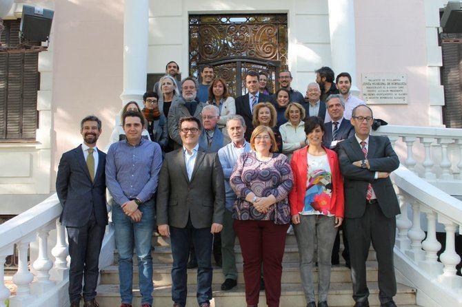 Foto de grupo de los ediles y vocales vecinos de Hortaleza