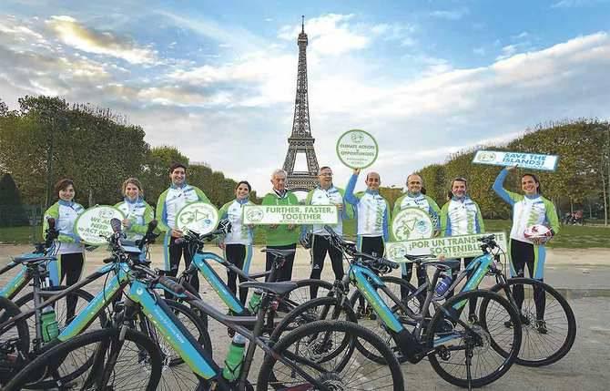La marcha ciclista 'Moving for Climate NOW', promovida por la Red Española del Pacto Mundial de las Naciones Unidas con Iberdrola, arrancó este lunes en París su recorrido en bicicleta eléctrica hasta la Cumbre del Clima (COP23) de Bonn.